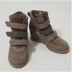 Rovers wedge shoes size 6.5